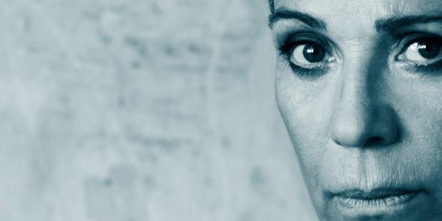 L'actriu Emma Vilarasau en el cartell de 'Medea'