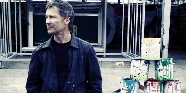 Retrato del músico alemán Michael Rother