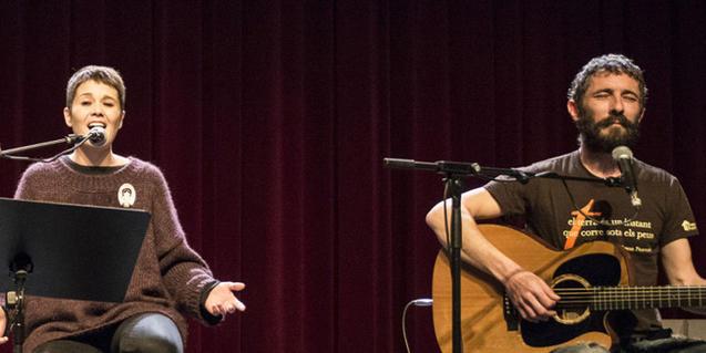 Mireia Vives y Borja Penalba durante una actuación