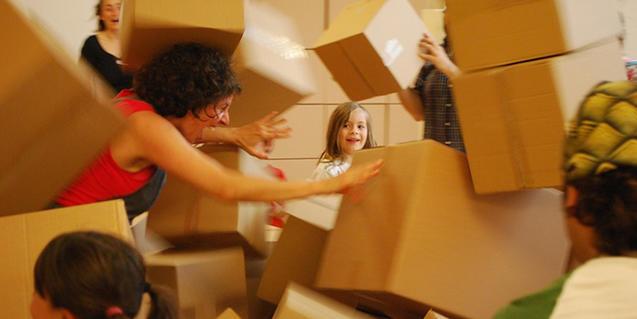 Fotografia de la actividad con las cajas de cartón