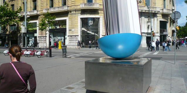 Monument de Brossa a passeig de Gràcia