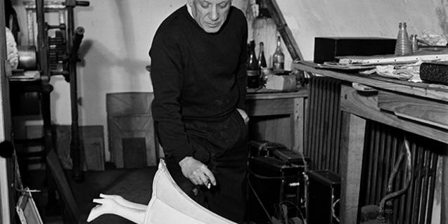 Picasso amb el Jamais, en una fotografia de Nick de Morgoli
