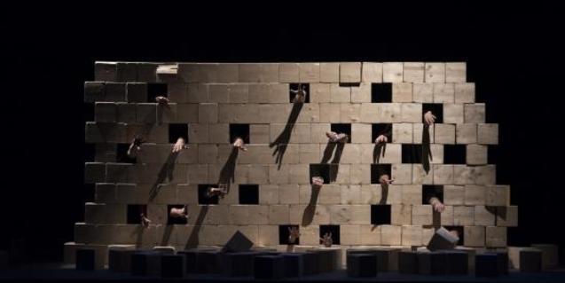 Un momento del espectáculo 'El Mur'