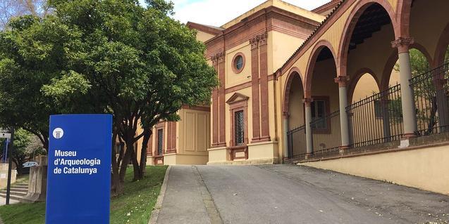 Exterior del Museu d'Arqueologia de Catalunya
