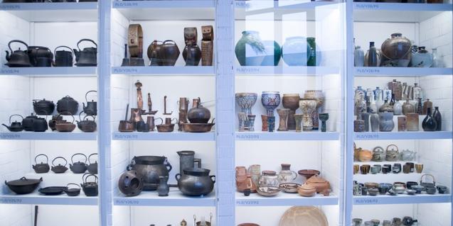 Fotografía de una de las vitrinas del museo