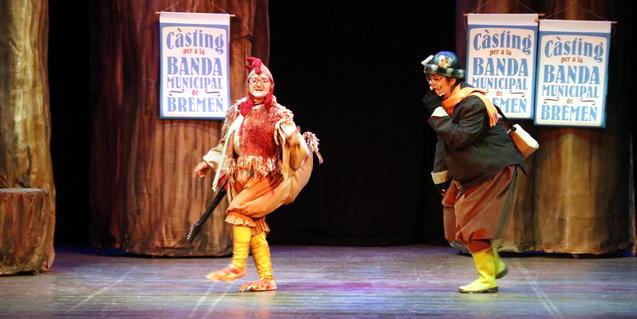 Fotografía del espectáculo con dos de los animales protagonistas