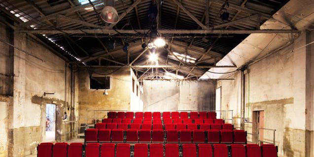 Fotografía del interior de Nau Ivanow