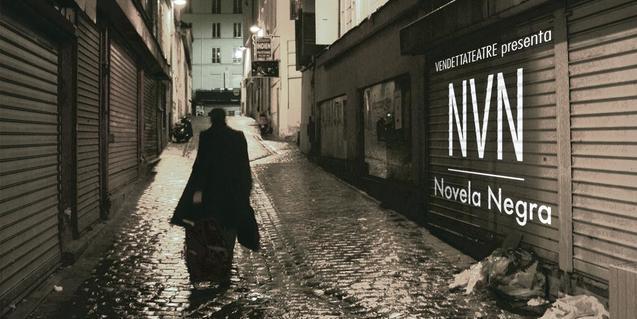 Una imagen de un hombre en sombras caminando por un callejón oscuro