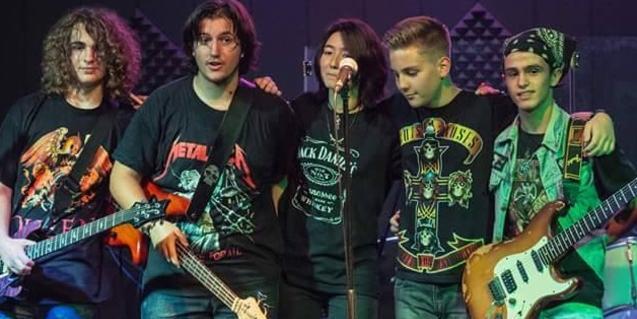 Els integrants d ela banda On Stage, caps de cartell del concert de l'Espai Jove Boca Nord