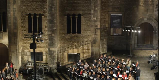 El recital suposa una bona oprtunitat d'escoltar l'Orfeó a l'aire lliure al cor de la ciutat