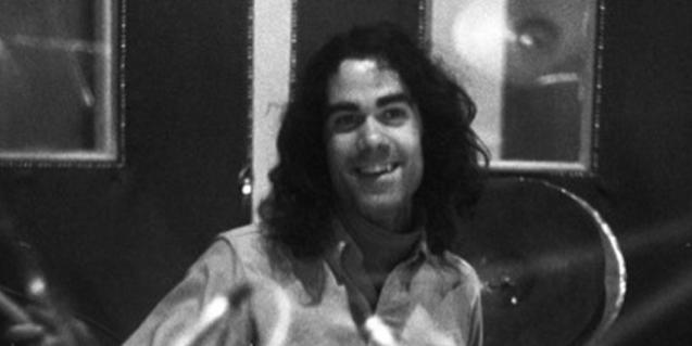 Retrat en blanc i negre d'un jove Oriol Perucho