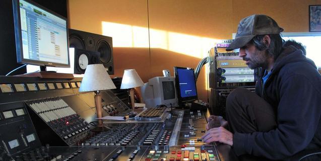 El cantautor americà d'origen català Paul Fuster