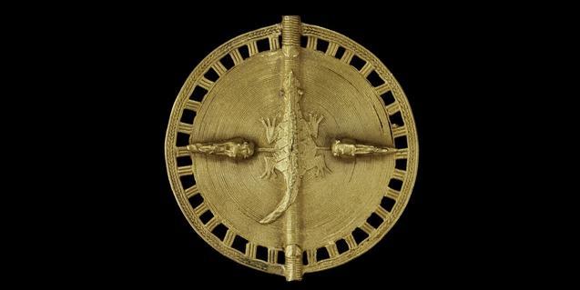 Colgante procedente de Costa de Marfil, una de las piezas que se pueden observar en la exposición del Museu Etnològic i de Cultures del Món