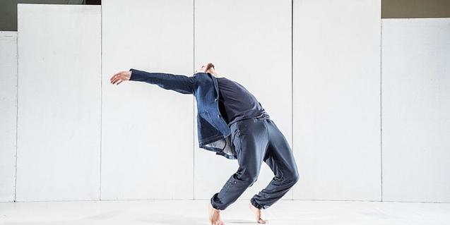 Un moment de la coreografia interpretada pel ballarí Marc Lapuerta