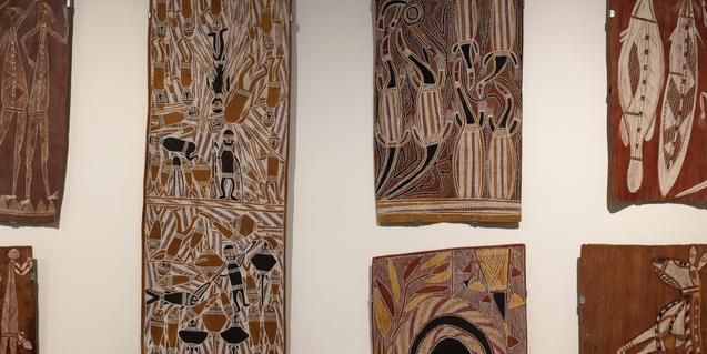 Pinturas sobre corteza en la Sede Montcada del Museu Etnològic i de Cultures del Món