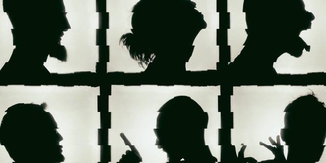 Un collage que muestra los perfiles en negro de los integrantes de la formación