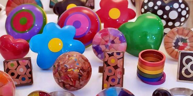 Objectes del taller de Món de Mones.