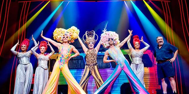 El musical 'Priscilla' tiene un ritmo trepidante y un extenso reparto