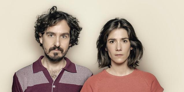 Francesc Ferrer i Bruna Cusí al cartell de l'obra 'Que rebentin els actors'