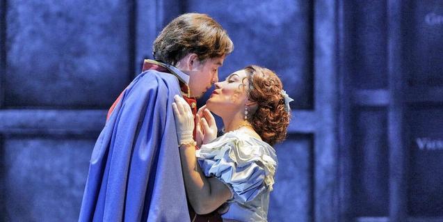 Un moment de l'òpera 'Roméo et Juliette'. © Ken Howard