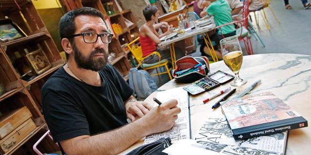 Sagar Fornies va publicar l'any passat 'Barcelona. Los vagabundos de la chatarra'
