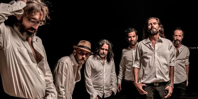Un retrat de grup d'aquesta banda nascuda al Poblenou