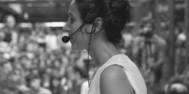 La artista Laia Estruch, durante la performance