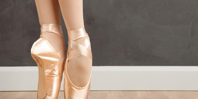 Fotografía de unas puntas de bailarina