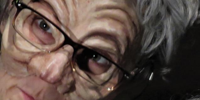 Primer pla de la cara d'una de les àvies que protagonitzen la història