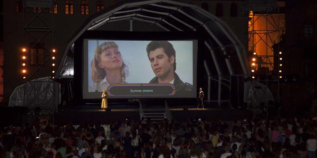 Un momento del Sing-Along dedicado a 'Grease' el año pasado en el Poble Espanyol