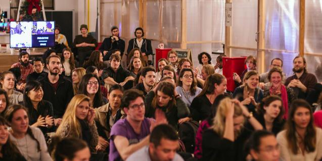 Público durante uno de los conciertos de Sofar Sounds