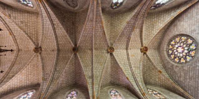 Sor Eulalia contribuyó a restaurar la iglesia del monasterio de Pedralbes