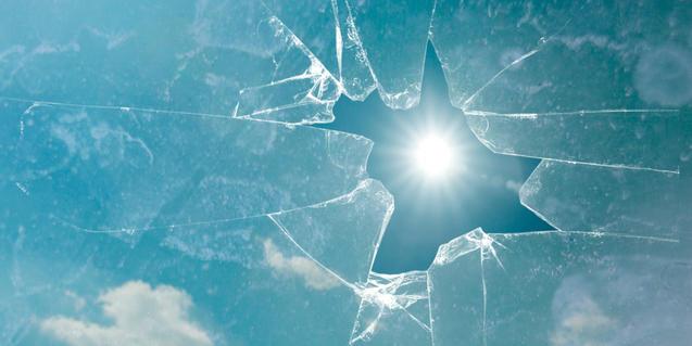 Imatge d'un vidre trencat