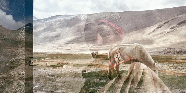 Una de las imágenes doblemente expuestas de Federico Frangi que muestran dos paisajes de la india, el uno sobre el otro