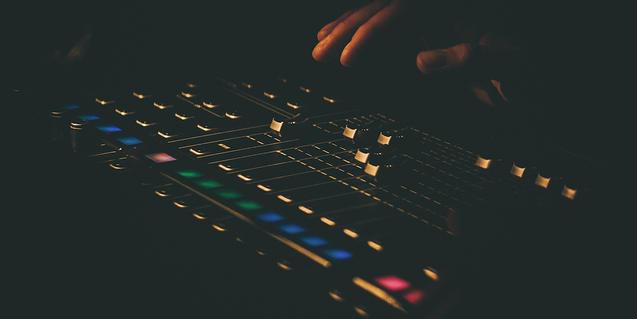 Imagen de una mesa de sonido