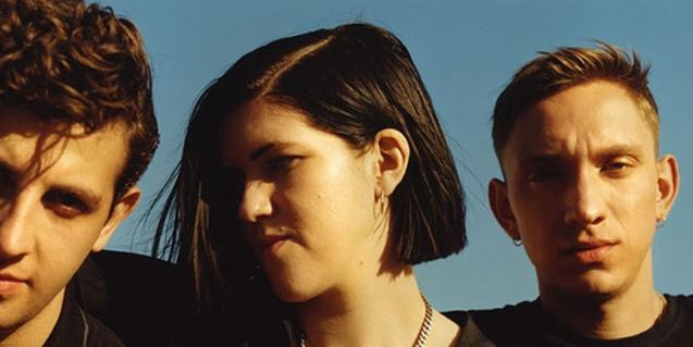 Los tres integrantes de la banda de indie The xx