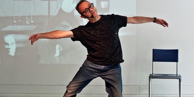 Un retrato del coreógrafo e intérprete Toni Jodar