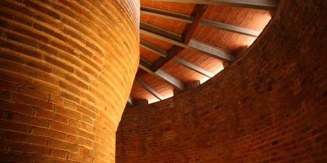 La Torre de las Aguas es de estilo modernista y se encuentra en el Poblenou