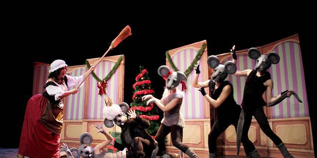 Fotografía del espectáculo con las ratas de protagonistas
