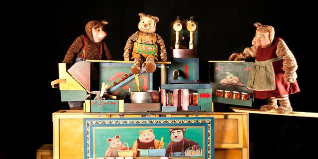 Fotografía del espectáculo de títeres, cocina con los tres osos