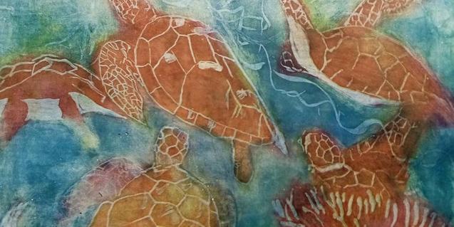 Unes tortugues nedant sota l'aigua en una de les pintures de l'artista