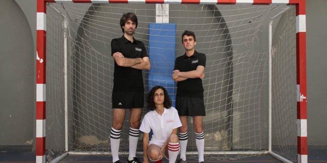 Retrat dels tres membres de la banda que toca al Microclima Sound denguany