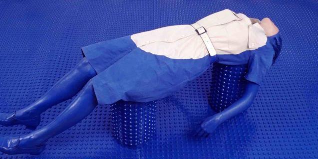 Chroma Key (Ofelia), una obra de Julia Montilla per a l'exposició Visceral Blue
