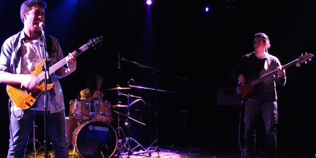 Los miembros de la banda de rock Void