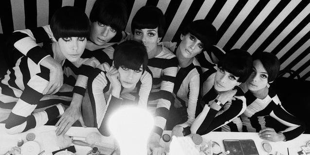 'Models backstage on the film 'Who Are You, Polly Maggoo?'' (1966) © William Klein