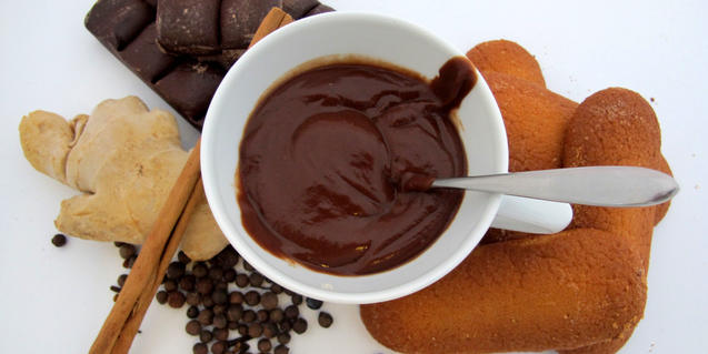 Una taza de chocolate caliente