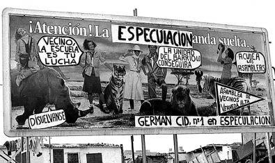 Fotografía de una valla publicitaria del barrio de la Verneda de los años 70 con la fotografía manipulada para incluir mensajes reivindicativos
