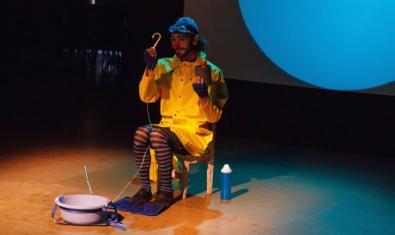 Damián Bojarque actuando de clown