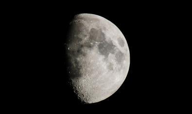 La Lluna en quart creixent