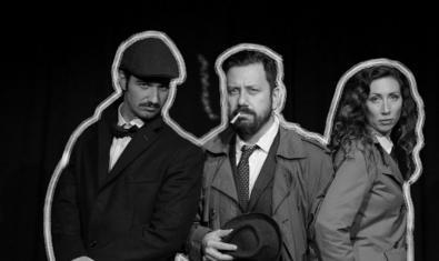 Los tres protagonistas de la *fotonovela retratados en blanco y negro y con las siluetas recortadas